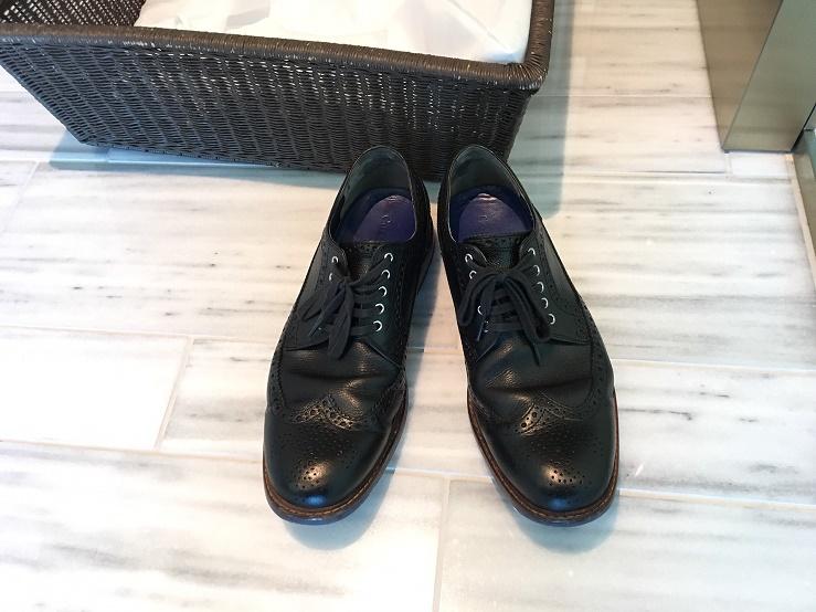 靴磨きサービスで帰ってきたメンズ革靴