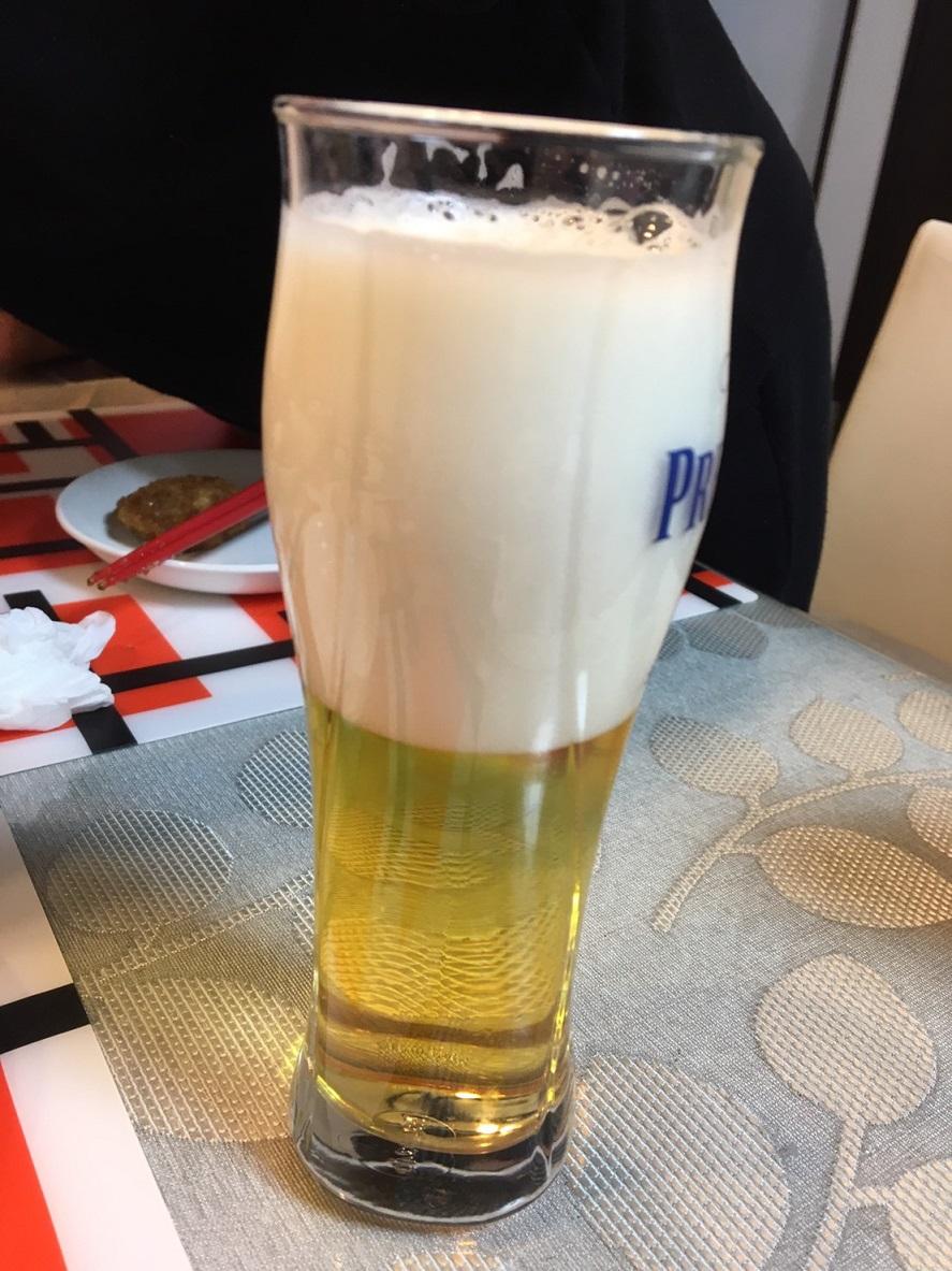 神泡サーバーで注いだビール